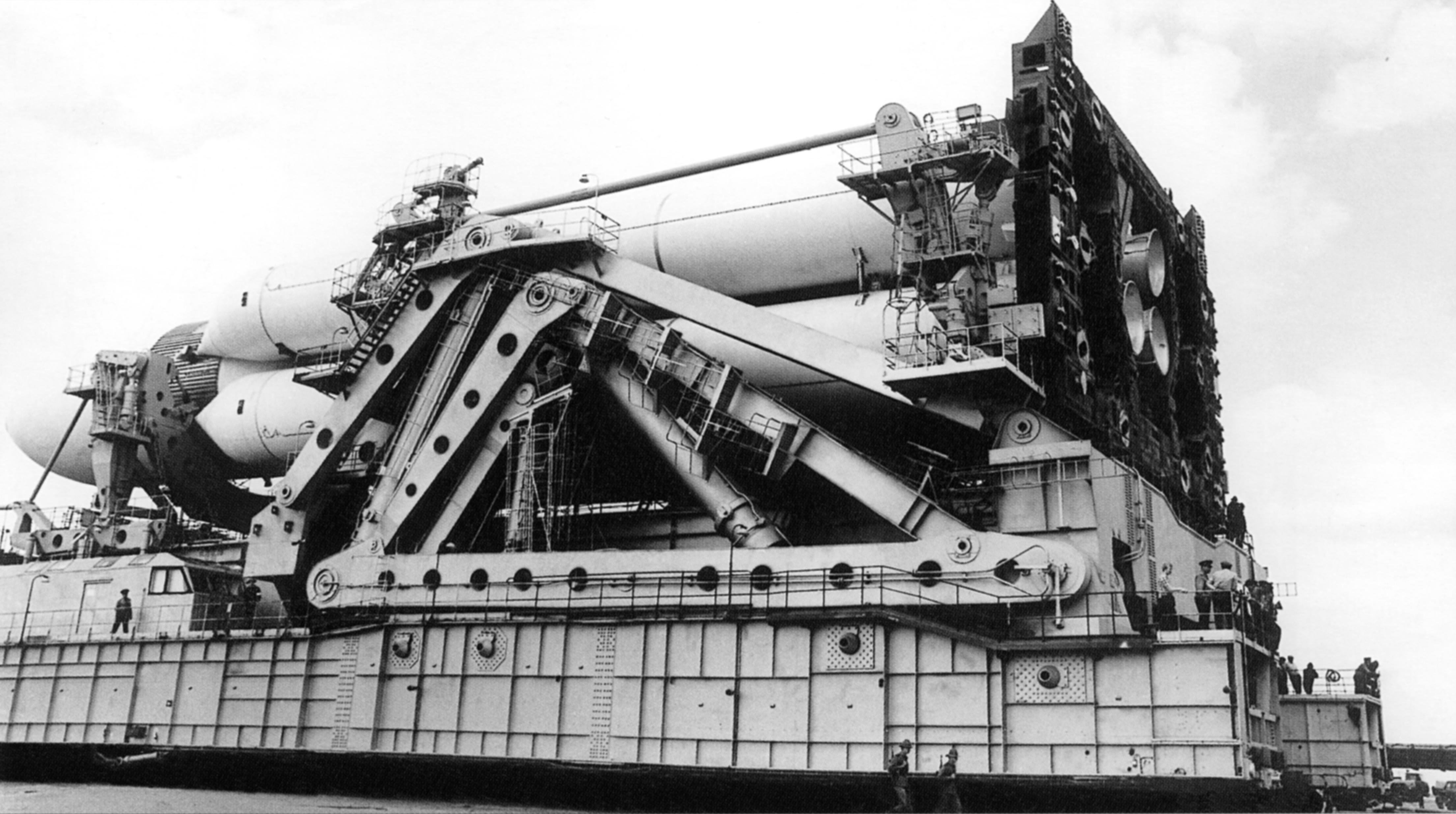 [贴图]帝国余晖:前苏联暴风雪号航天飞机跌宕起伏的